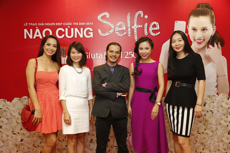 Gluta Pearl cuộc thi ảnh Nào cùng Selfie tạp chí Tiếp Thị Gia Đình